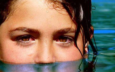 Remedio casero con infusión de manzanilla buena para los ojos en verano