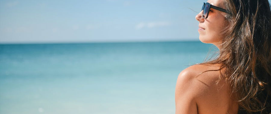 Bei regelmäßiger Anwendung von Schwarztee wirst Du schnell merken, wie sich Dein Hautbild und die Spannkraft Deiner Haut verbessern