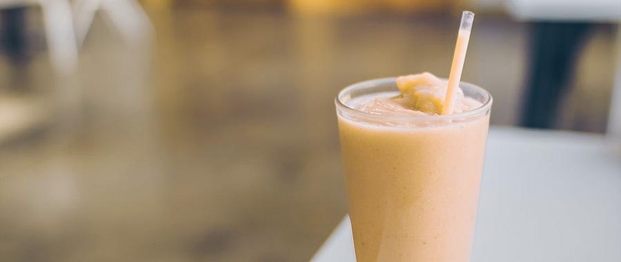 Té frío saludable un té de frutas con hielo para combatir el calor. El té de frutas fruit de Semper Tea tiene un equilibrio perfecto entre lo tradicional y lo contemporáneo.