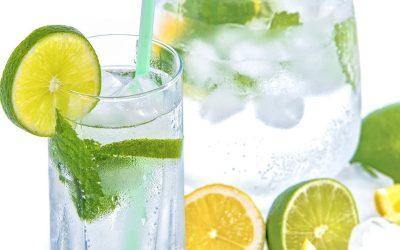 Limonada con té de menta un clásico renovado para el verano