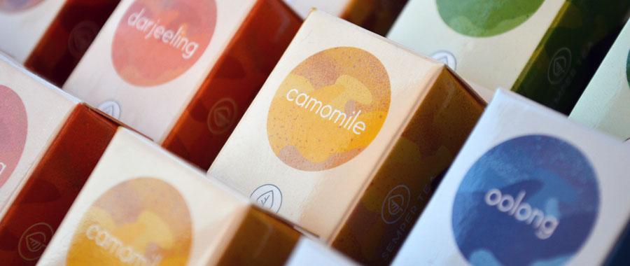 Con el té manzanilla Camomile de Semper Tea en bolsitas piramidales tendrás el mejor producto para tu hijo.