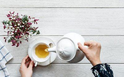 Das hilft bei Halsschmerzen Kamille als wirksames Hausmittel gegen einen gereizten Hals 👨🏽⚕️🌡